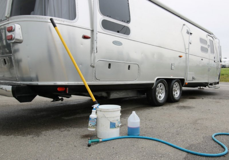Go With The Grain!! Washing & Waxing Your Airstream