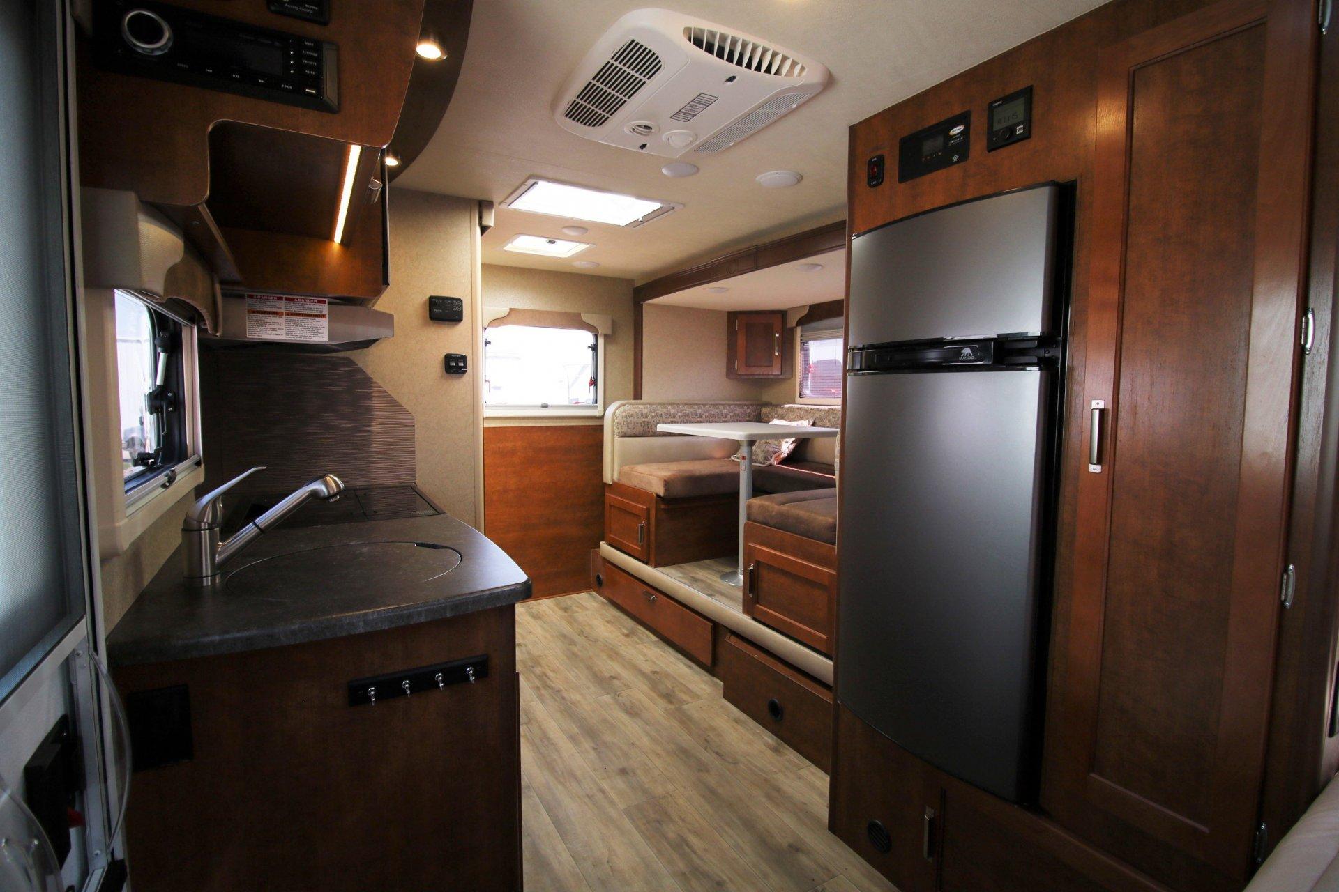 2019 LANCE LANCE 1575 - Airstreams | Campers London ...