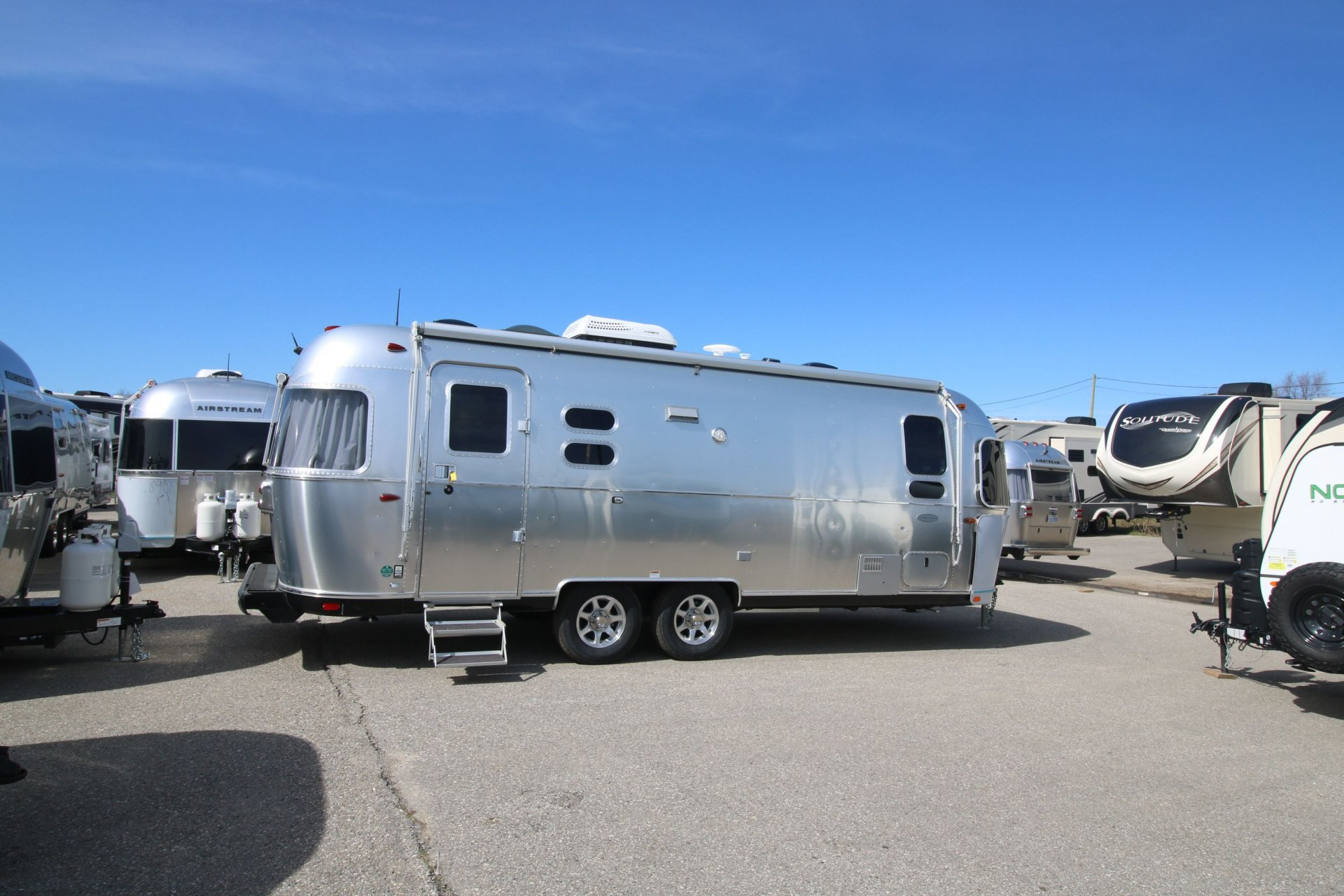 2019 AIRSTREAM AIRSTREAM 25 FB TWIN FLYING CLOUD