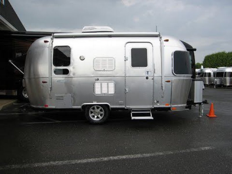 2017 AIRSTREAM FLYING CLOUD BAMBI 19 CNB