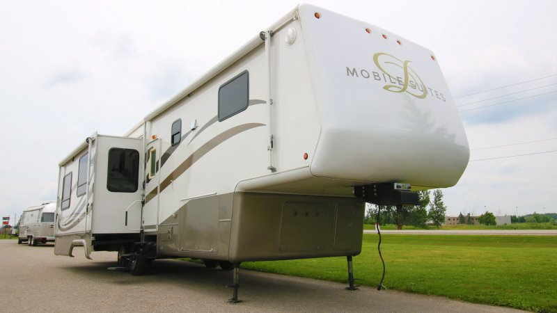 2005 DRV MOBILE SUITES 38 RL3