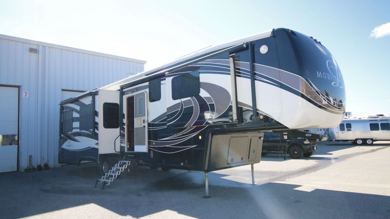 2015 DRV MOBILE SUITES 38RSSA