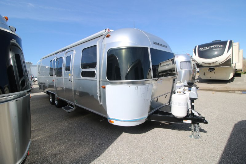 2019 AIRSTREAM AIRSTREAM 30FBB FLYING CLOUD
