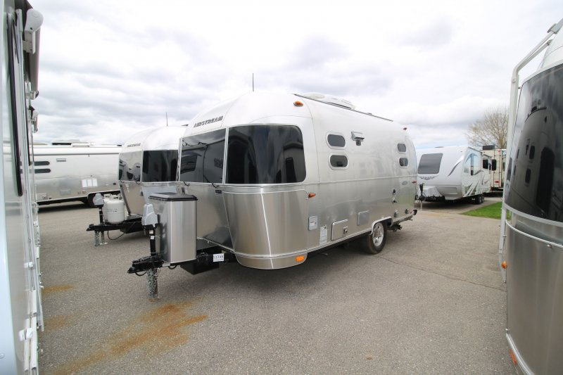 2017 AIRSTREAM AIRSTREAM BAMBI 19 CNB FLYING CLOUD