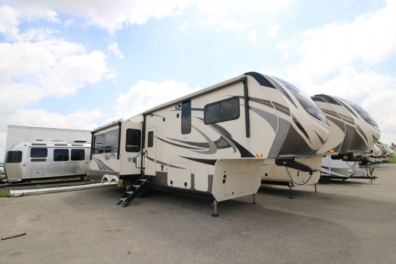 2019 GRAND DESIGN SOLITUDE 2930 RL