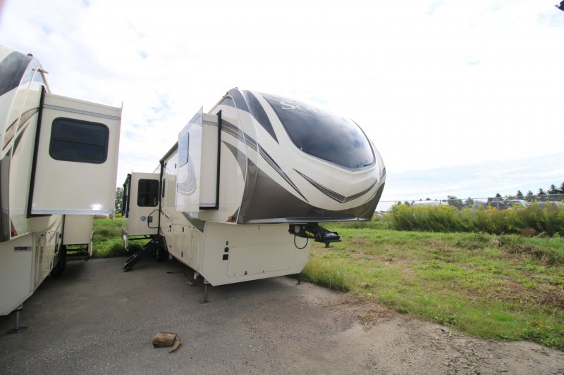 2019 GRAND DESIGN SOLITUDE 385GK